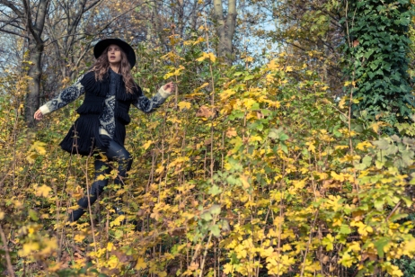 Hat: Zara Wool Vest: Jessica Conzen Jersey: H&M Boots: Monki Pants: Gina tricot