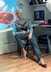 Sweatshirt: Être Cecile / Pants: Harmony